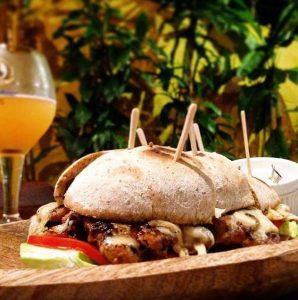 Burguer da Cervejaria Doca, foto retirada da página do Google