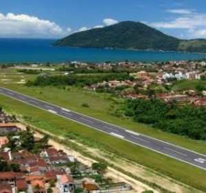 Foto da pista do aeroporton de Ubatuba retirada do site do Estadão